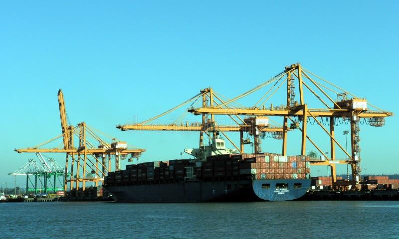 Bateau au port image stock