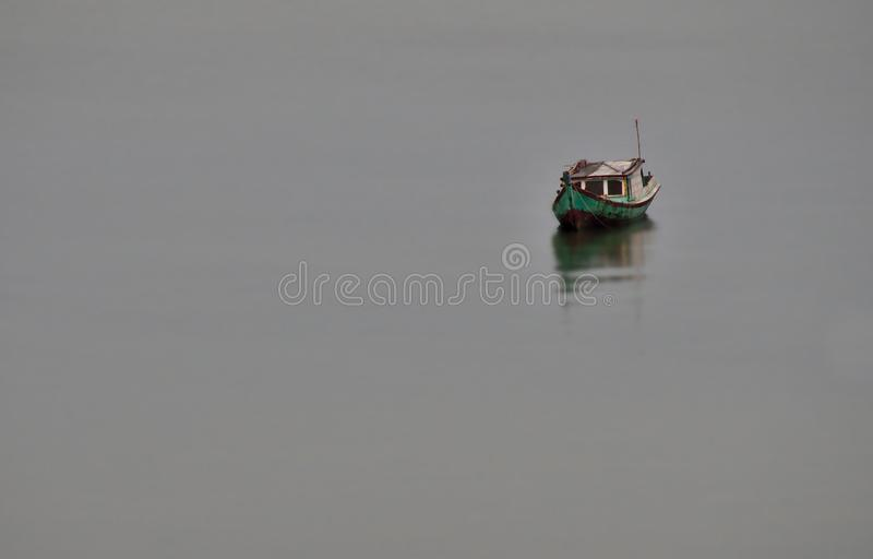 Bateau chez Tanjung Pendam images libres de droits
