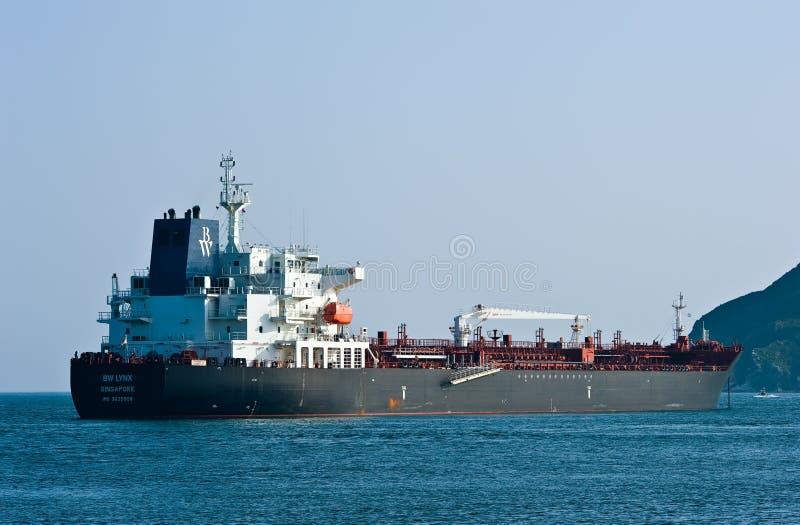 Bateau-citerne BW Lynx ancré dans les routes Compartiment de Nakhodka Mer est (du Japon) 01 08 2014 photographie stock libre de droits