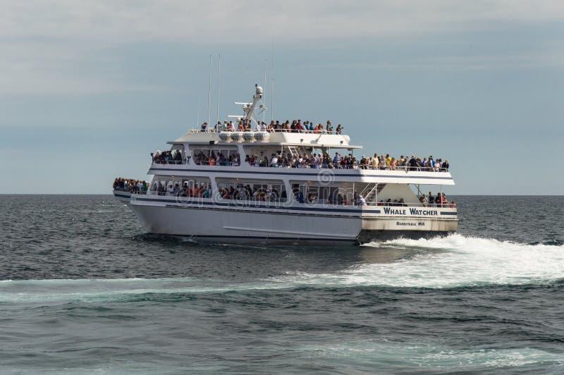 Bateau d'observateurs de baleine image stock