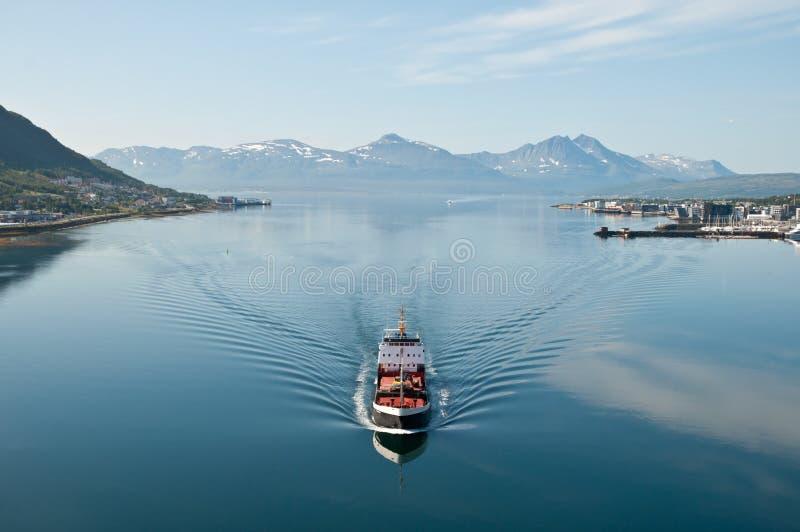 Bateau dans Tromsö images libres de droits