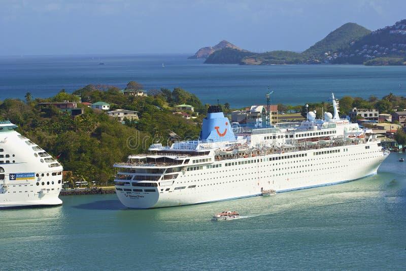 Bateau de croisière au St Lucia, des Caraïbes images libres de droits