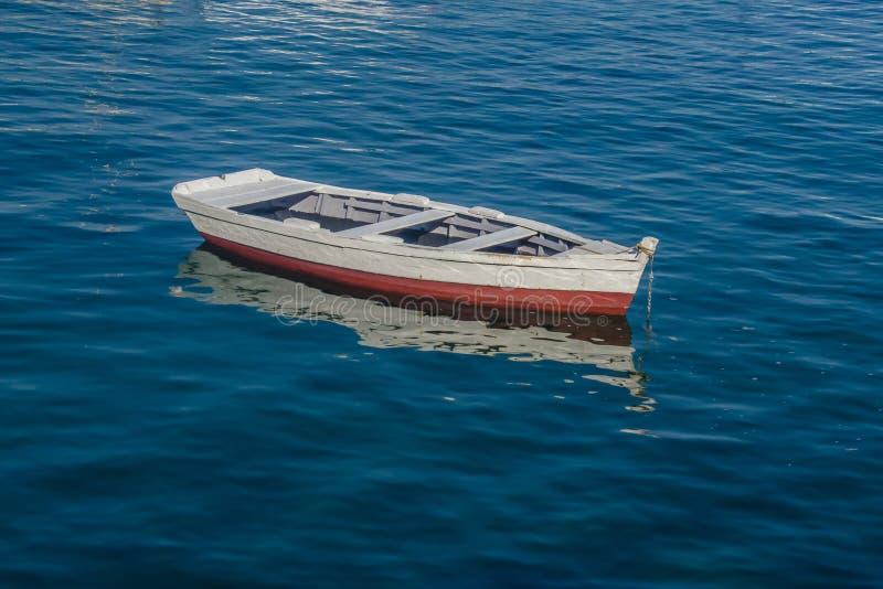 Bateau de Fisher dans le port photo libre de droits