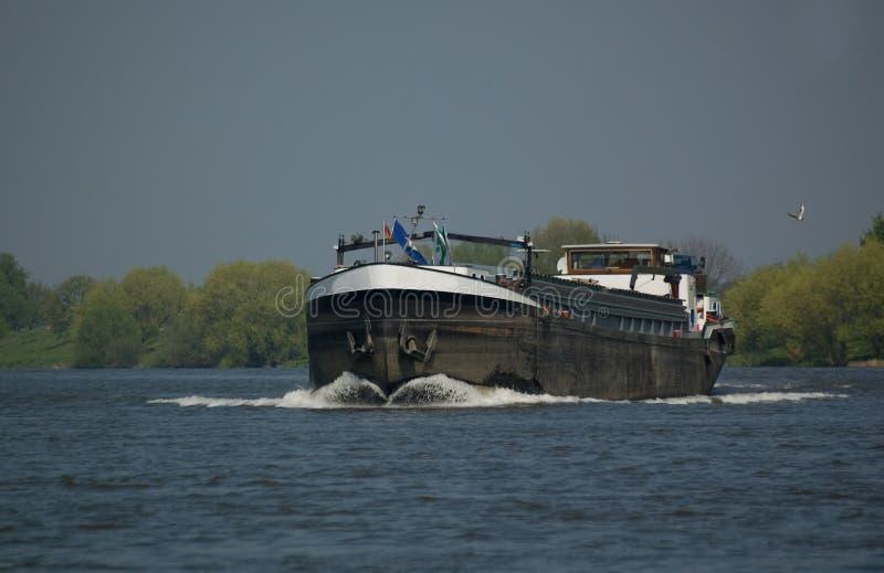 bateau de fleuve de maas photos libres de droits