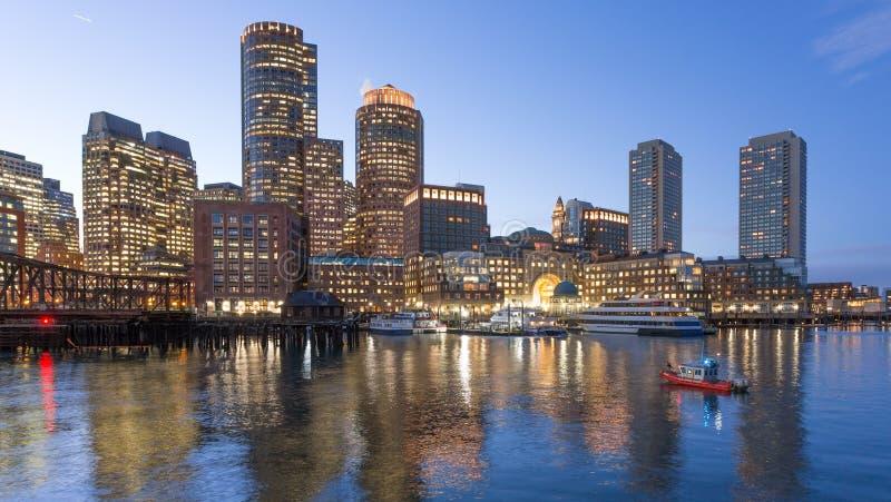 Bateau de la garde côtière dans le port de Boston photos libres de droits