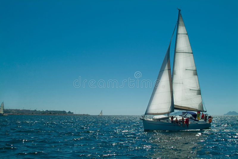 Bateau de navigation photo stock