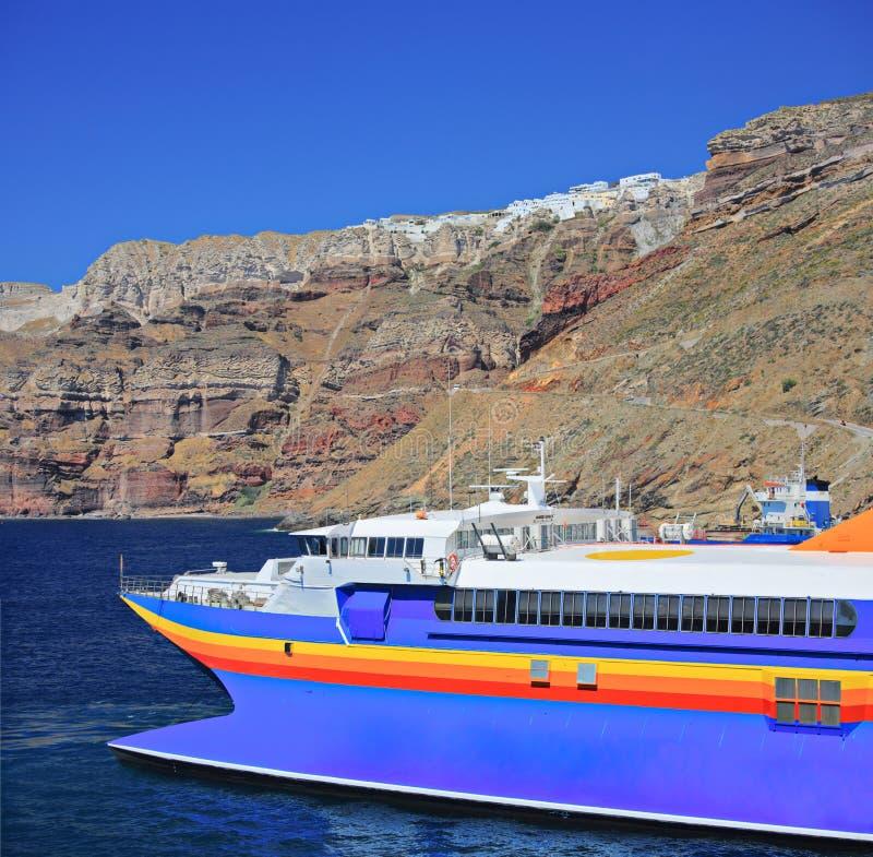 Bateau de navigation en mer Égée photographie stock