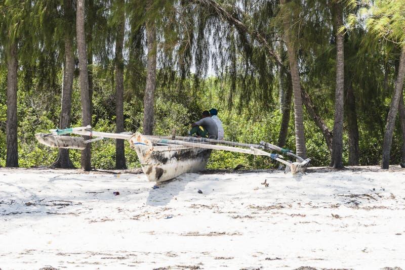 Bateau de pêche à Zanzibar images stock
