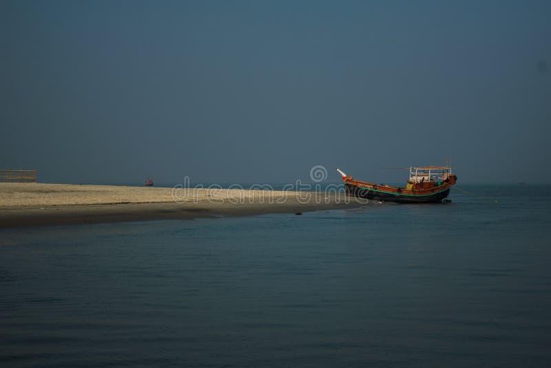 Bateau, bateau de pêche, baie du Bengale image stock