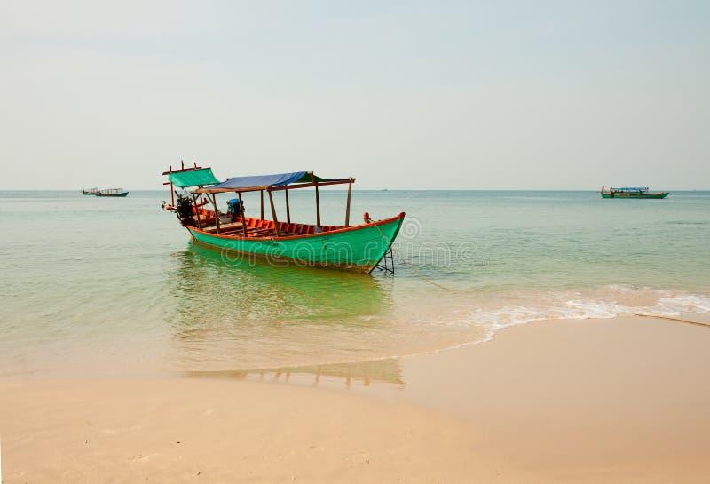 Bateau de pêche, Cambodge images stock