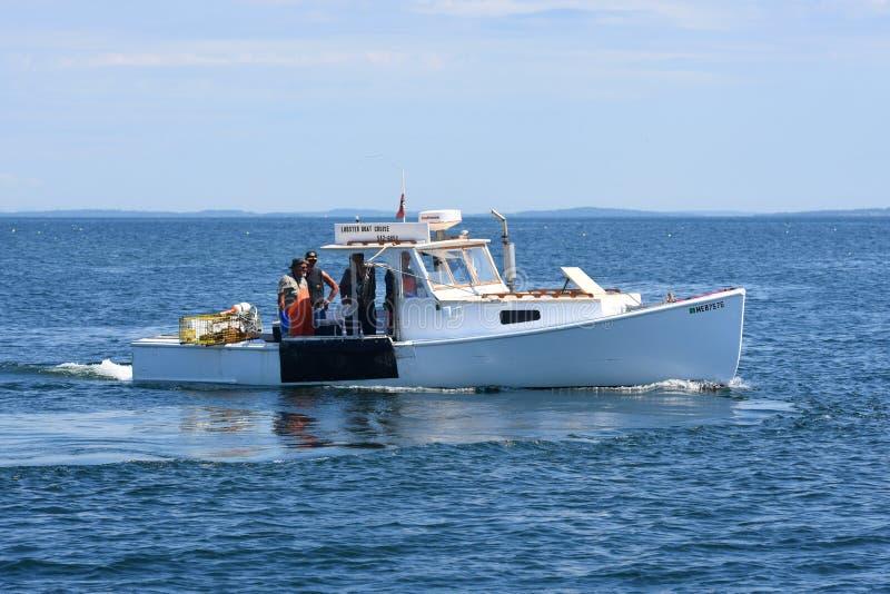Bateau de pêche chez Rockland, Maine images libres de droits