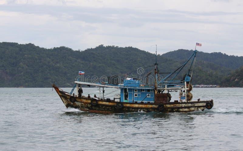 Bateau de pêche en Malaisie images libres de droits