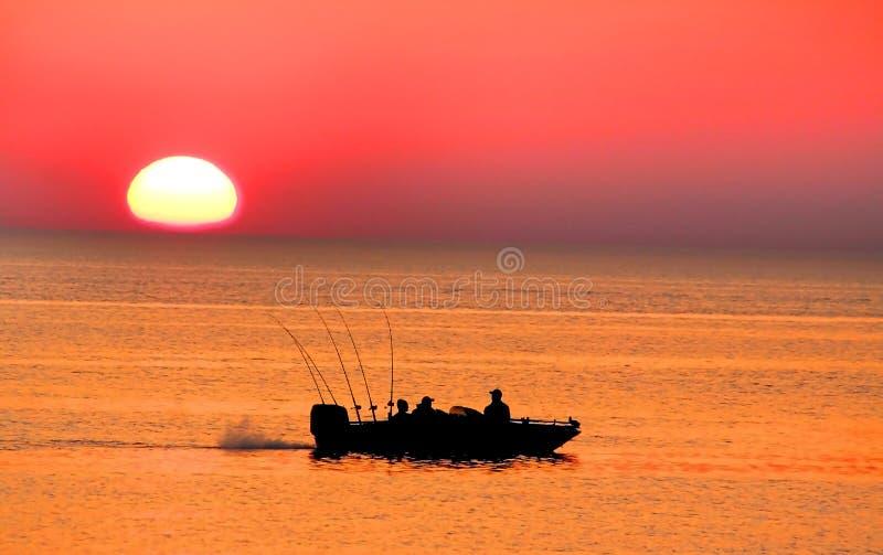 Bateau de pêche simple images libres de droits