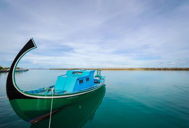 Bateau de pêche traditionnel, Maldives images stock