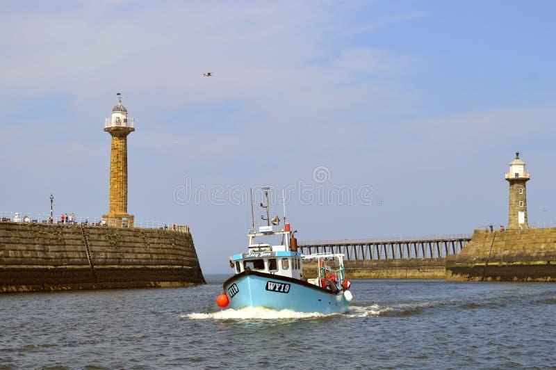 Bateau de pêche de Whitby Harbour Lucy Jane photo stock