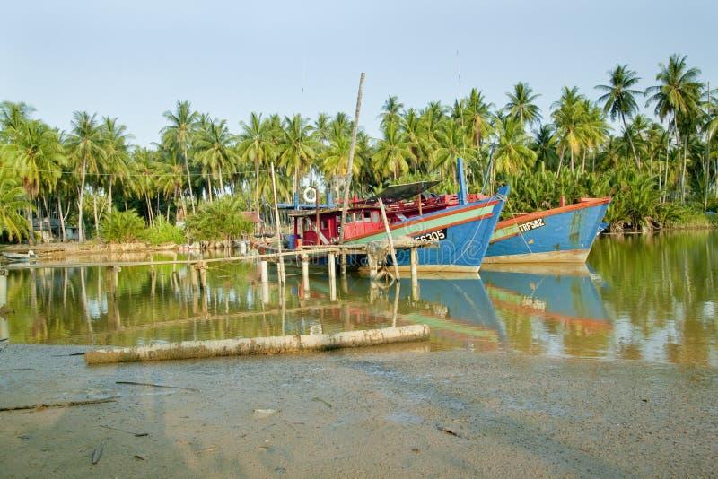 Bateau de pêcheur chez Kuala Besar Jetty, Kota Bharu, Kelantan photographie stock libre de droits