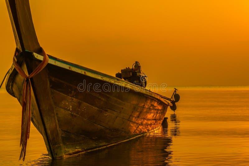 Bateau de pêcheur, sai de fuite, Sikao, Trang, Thaïlande image stock