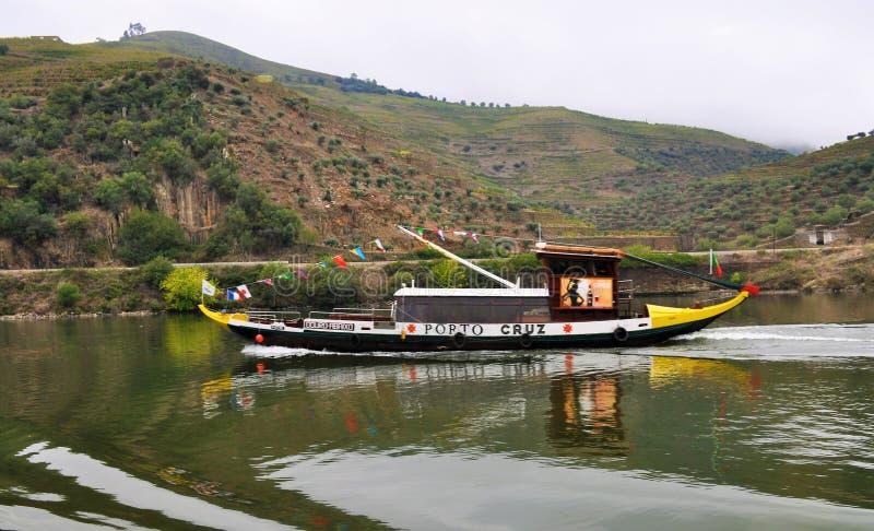 Bateau de Rabelo à la rivière de Douro photos stock