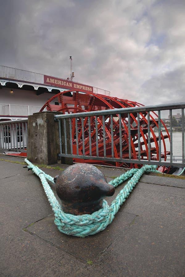 Bateau de rivière américain d'impératrice en plan rapproché de Portland Orégon photos stock