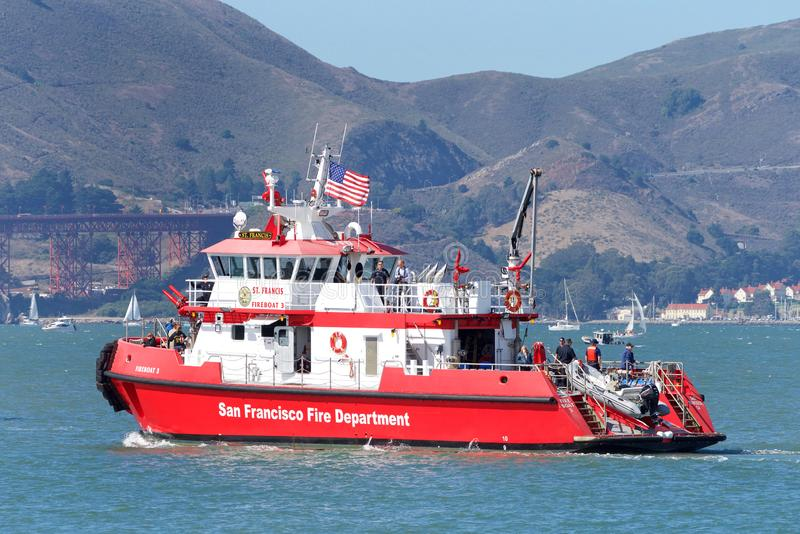 Bateau de San Francisco Fire à San Francisco Bay photographie stock