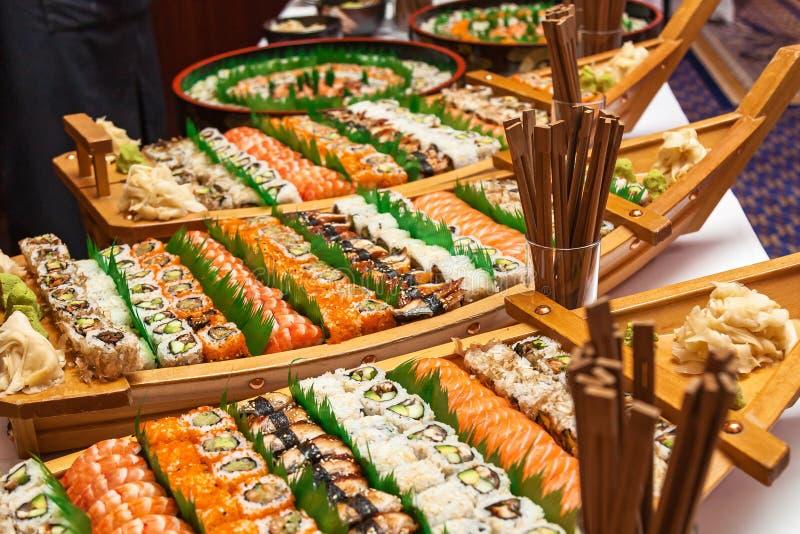 Bateau de sushi photos libres de droits
