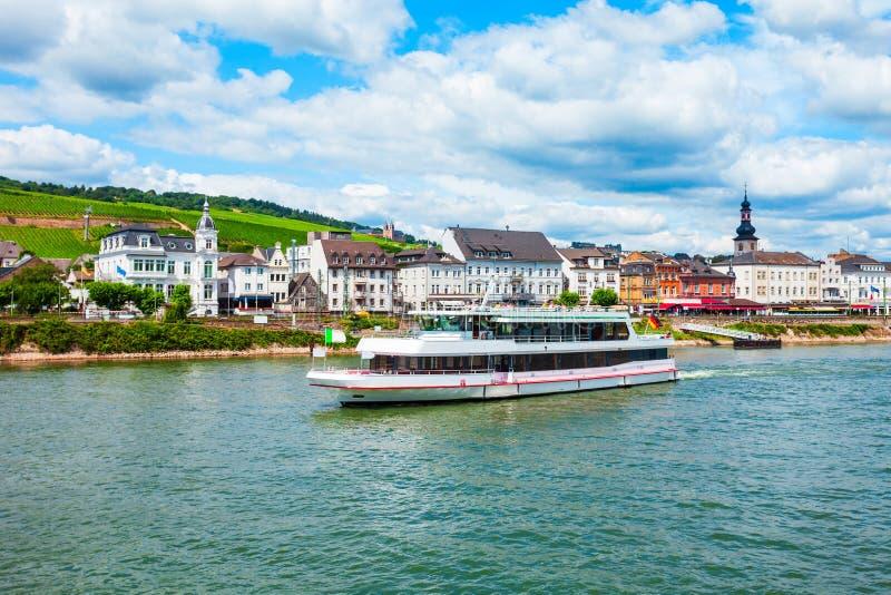 Bateau de touristes de cruse en Allemagne image libre de droits