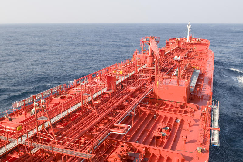Bateau de transporteur de pétrole brut de camion-citerne photo stock