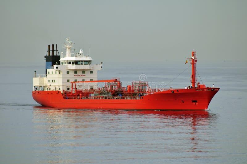 Bateau de transporteur de pétrole brut de camion-citerne images libres de droits