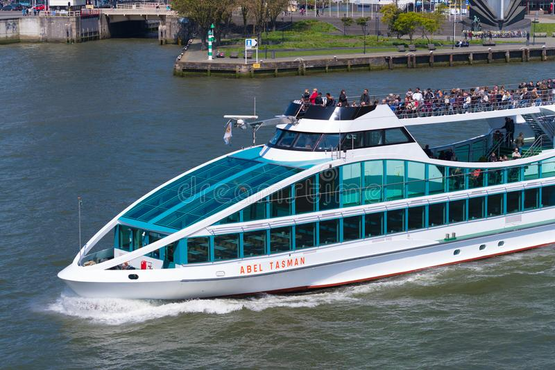Bateau de visite à Rotterdam, Hollandes image libre de droits