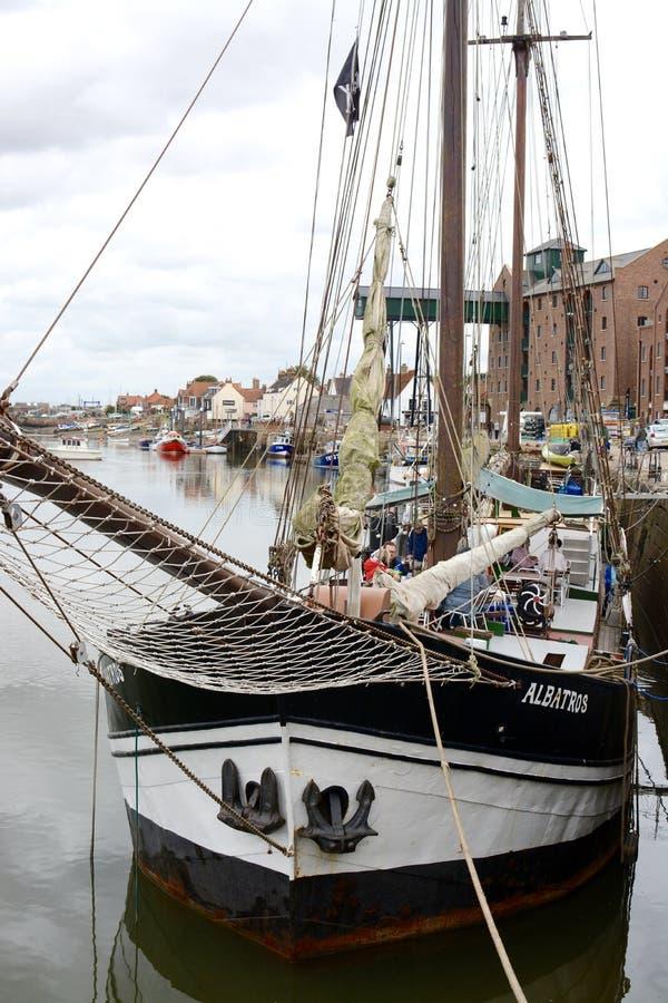 bateau de Wells-prochain-le-mer images stock
