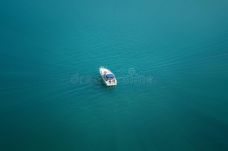 Download Bateau en Mer Adriatique photo stock. Image du pacifique - 737234