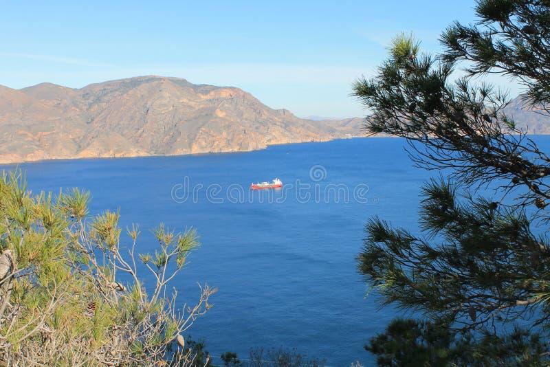 Bateau en mer Méditerranée image stock
