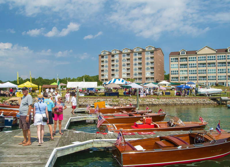 Bateau et festival 2016 de Smith Mountain Lake Antique Classic images stock