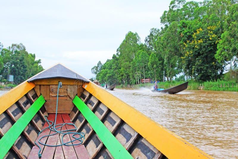 Bateau guidé, lac Inle, Myanmar images stock