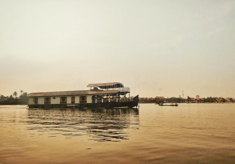bateau-maison photographie stock libre de droits