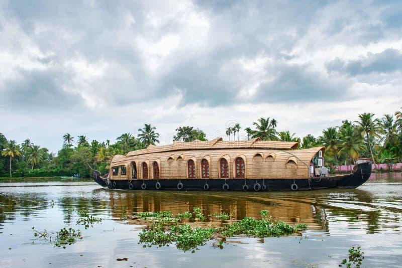 Bateau-maison indien traditionnel au Kerala, Inde image libre de droits