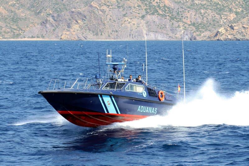 Bateau rapide du service douanier espagnol images libres de droits