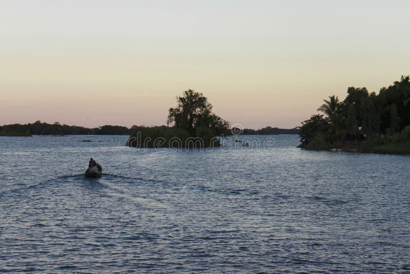 Bateau sur le lac nicaragua, Isletas photographie stock libre de droits