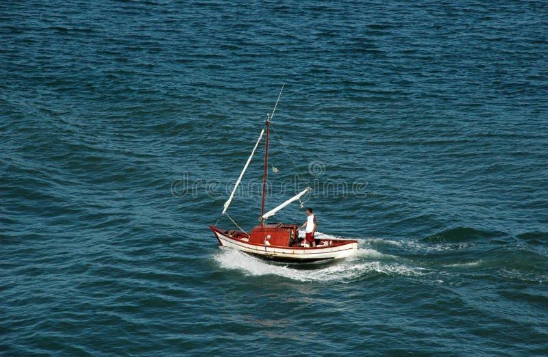 bateau toujours plus petit photos stock