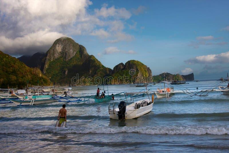 Bateaux à l'EL Nido, Palawan photographie stock libre de droits
