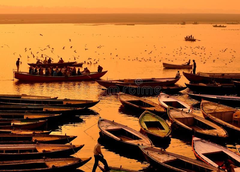 Bateaux à Varanasi photo libre de droits