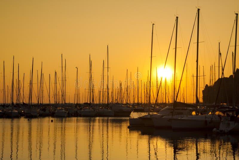 Bateaux à voile marins photo stock