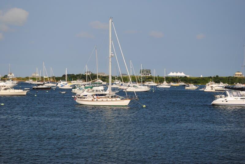 Bateaux à voiles au port neuf photographie stock libre de droits