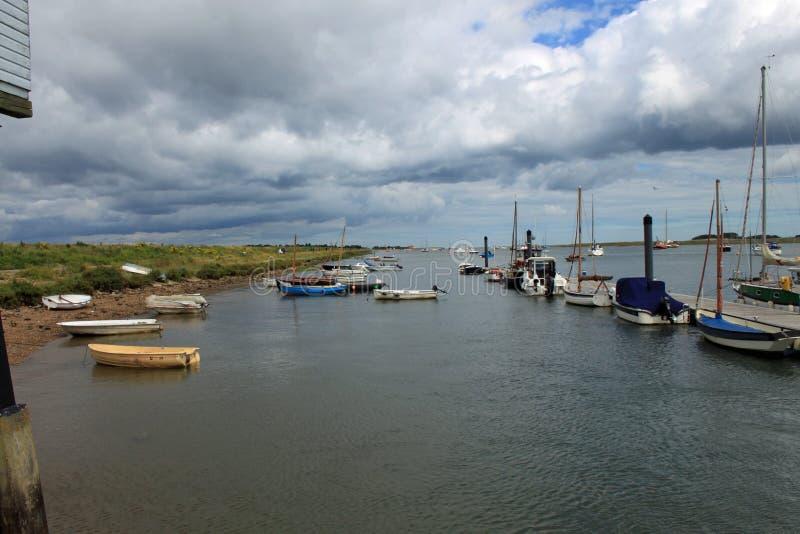 Bateaux amarrés chez Wells après la mer image libre de droits