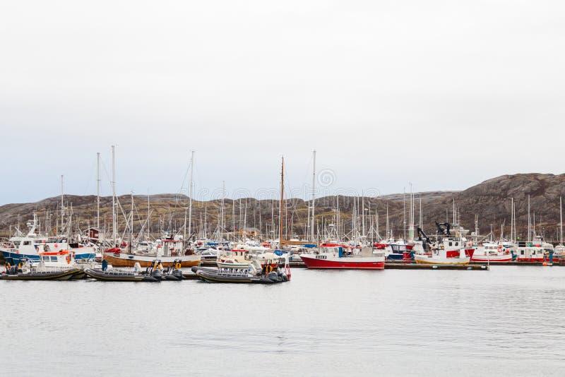 Bateaux amarrés dans le port de Bodo, Norvège image libre de droits