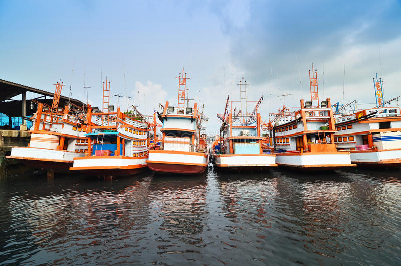 Bateaux d'amarrage à Phuket, Thaïlande photo stock