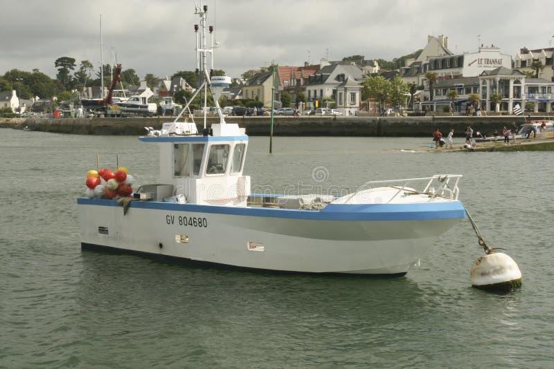 Bateaux dans le port de Benodet en Brittany France image libre de droits