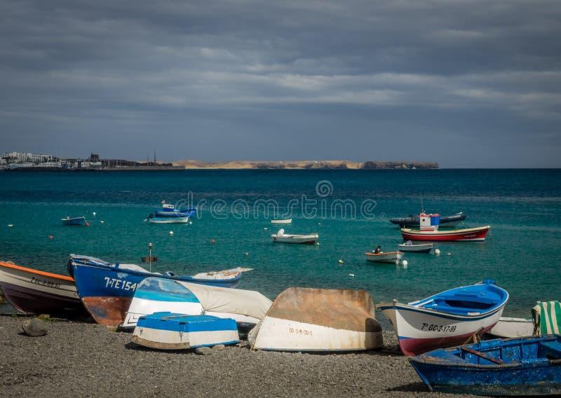 Bateaux dans le port de Blanca de Playa photos stock