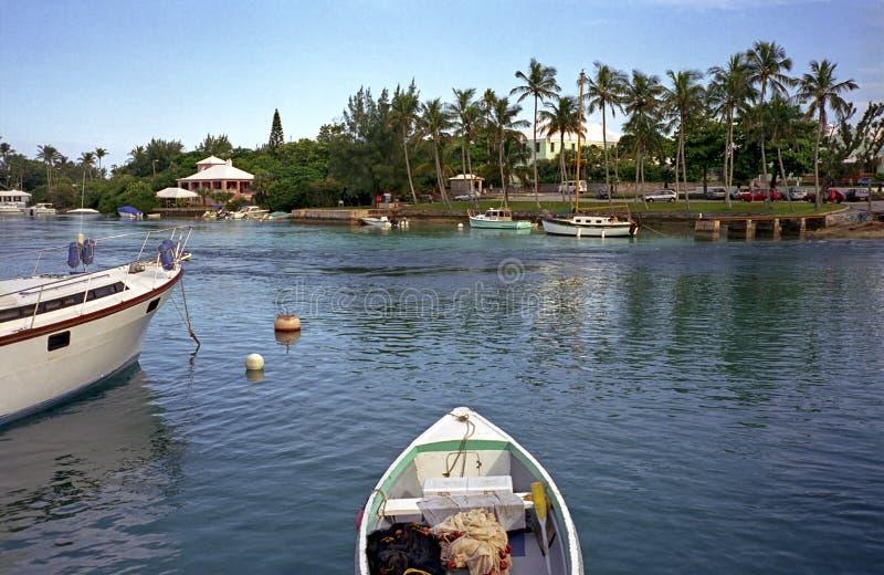 Bateaux dans le port de Hamilton, Bermudes images stock
