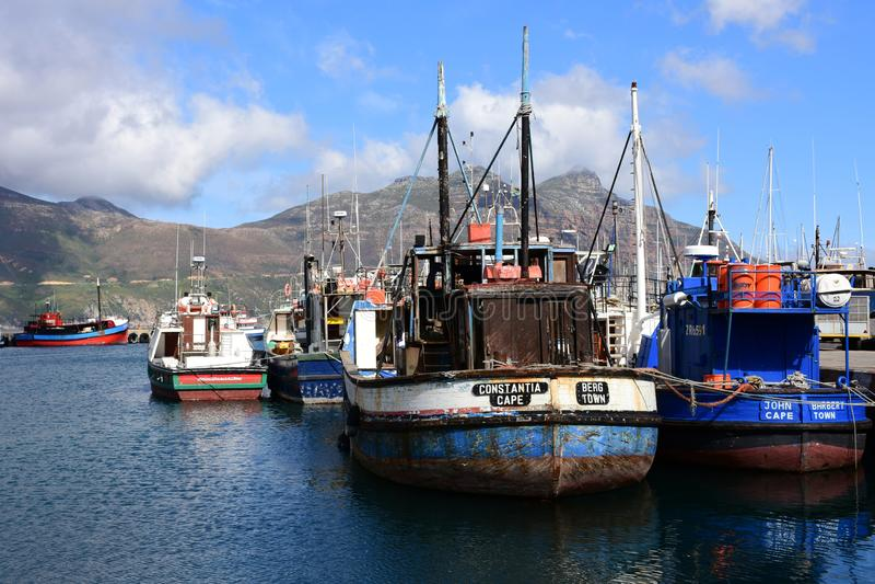 Bateaux de pêche, baie de Hout, le Péninsule du Cap, Afrique du Sud images libres de droits